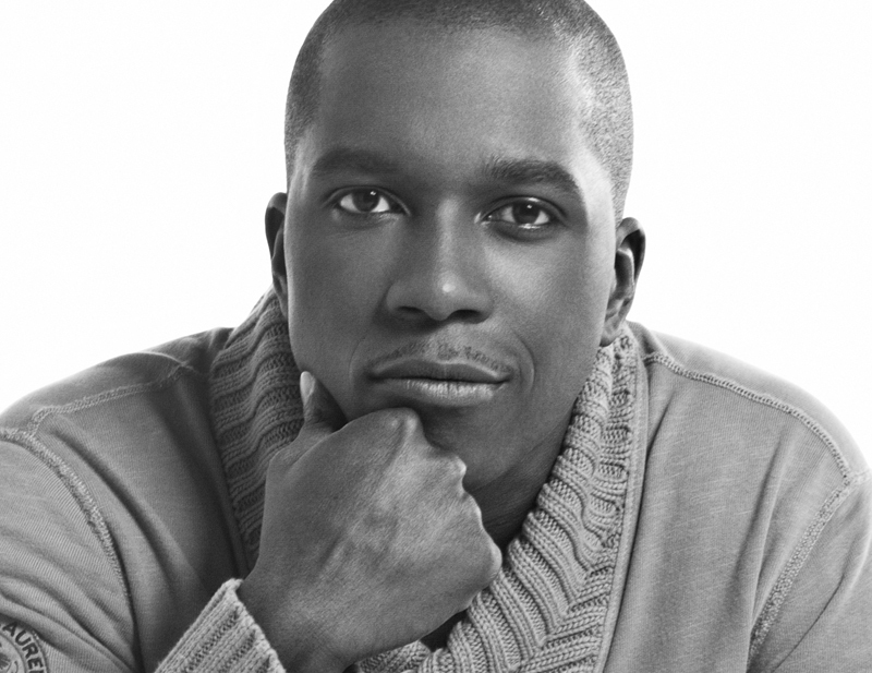 Leslie Odom Jr. photo with horizontal crop